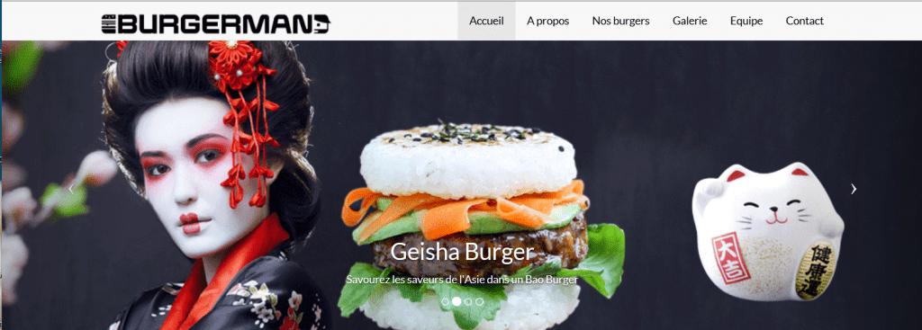 Carrousel burger GEISHA.Une femme japonaise en costume traditionnel, le burger et une tirelire en forme de chat, porte bonheur.